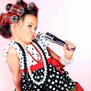 Поиск стиля и сценического имиджа, подбор песенного материала для детей